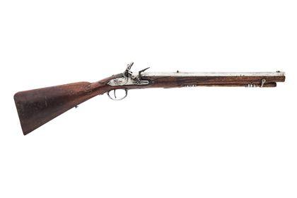 Historisches Gewehr aus Holz.