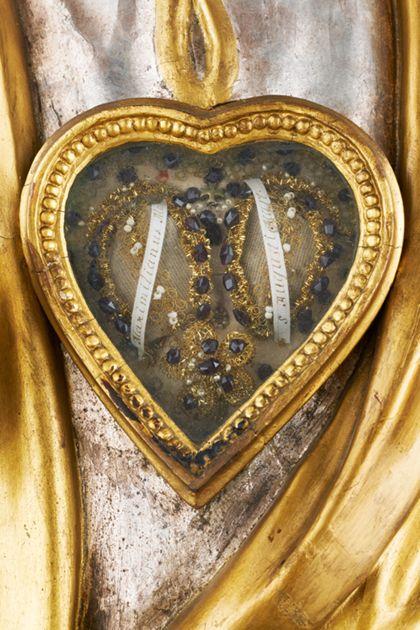 Deatil des Reliquienfaches der Reliquienbüste des Heiligen Augustus für die Freiburger Zunft der Rebleute.