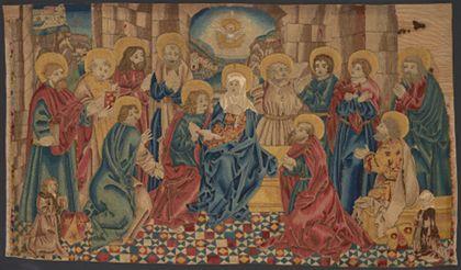 Bildteppich mit der Darstellung des Pfingstwunders. Die Taube des Heiligen Geistes erscheint oben in der Mitte.