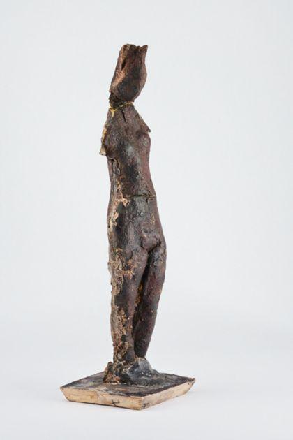 Bronzefigur eines stehenden weiblichen armlosen Aktes