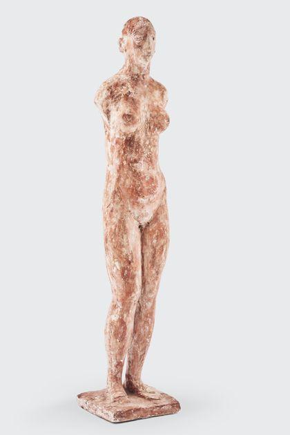 Weibliche armlose Frauenfigur aus Gips mit Bearbeitungsspuren