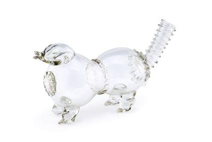 Branntweinflasche aus durchsichtigem Glas in Form eines Hundes