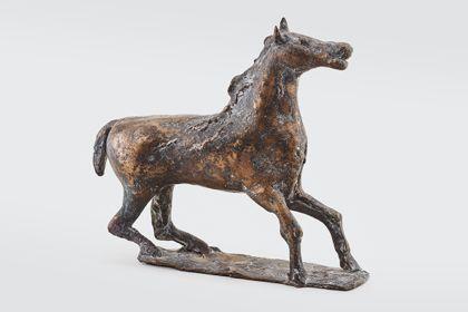 Bronze eines bewegten Pferdes auf Standplatte