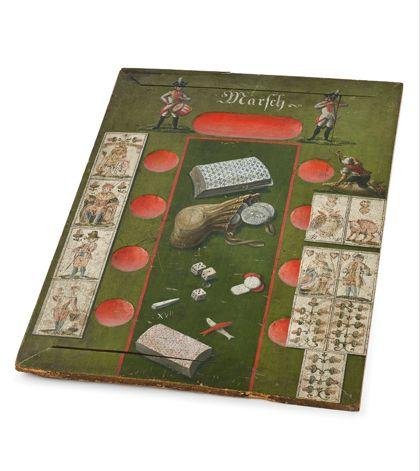 Holzunterlage für historisches Kartenspiel.