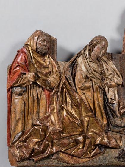 Fragmentarisch erhaltene Reliefdarstellung der Geburt Christi. Verloren ist die Hintergurndarchitektur und das Christuskind im Vordergrund, Detail mit Maria und Josef.