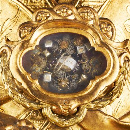 Deatil des Reliquienfaches der Reliquienbüste des Heiligen Pius für die Freiburger Zunft der Schuhmacher.