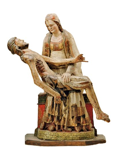 Maria beweint ihren toten, vom Kreuz genommenen Sohn, den sie vor sich auf Ihrem Schoß hält.