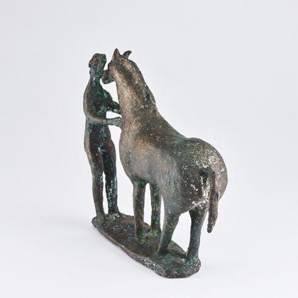 Bronzeplastik eines weiblichen Aktes, einem Pferd zugewandt