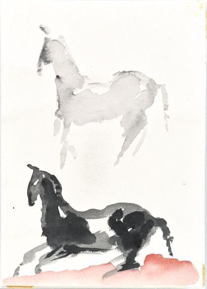 Aquarell zweier nach links gerichteter Pferde, liegend und stehend