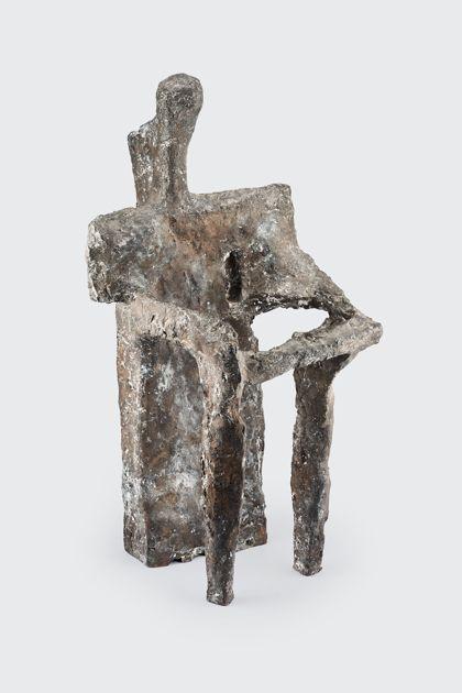 Abstrakte Bronzeplastik aus vertikalen Elementen, die sich mit horizontalen Stäben verbinden