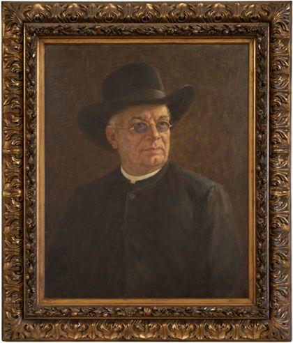Portrait eines Pfarrers mit schwarzem Hut und Brille. Golden gerahmt.